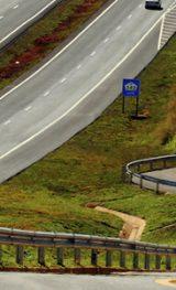 Serviços de reparo e de conservação são realizados no km 114 da SP-340, em Campinas